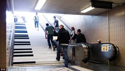 Piano Stairs_500